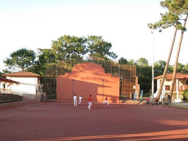Introducing Pelote Basque – a very un-Provençal game