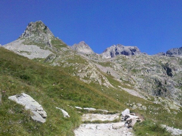 Fun mountain activities for families near Nice